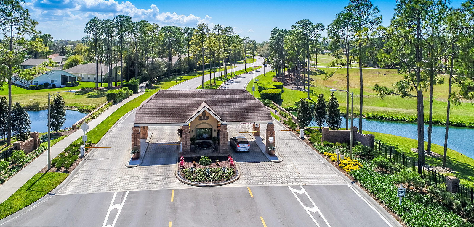 Heritage Pines - Country Club Entrance